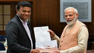प्रधानमंत्री नरेंद्र मोदी ने स्वदेशी प्रायोगिक हवाई जहाज निर्माण करने वाले 'पायलट यादव' से की मुलाकात
