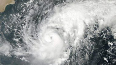 2 दिन में महाराष्ट्र और गुजरात के तटों से टकराएगा चक्रवाती तूफान 'निसारगा'