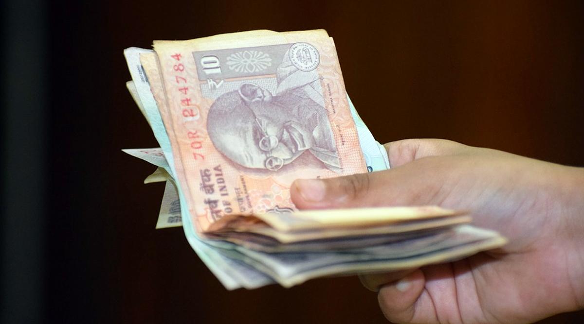 7th Pay Commission: दिवाली पर सरकारी कर्मचारियों को बड़ा तोहफा, टियर 1 और 2 शहरों में इतना मिलेगा महंगाई भत्ता