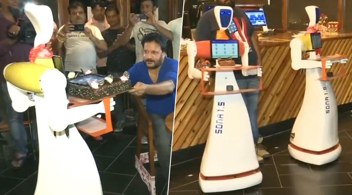गजब! भुवनेश्वर के इस रेस्टॉरेंट में रोबोट परोसते हैं खाना, रोबो सेफ को देखने के लिए उमड़ रही है लोगों की भीड़