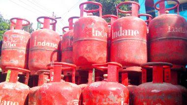 कश्मीर में दो महीने के LPG गैस स्टॉक करने की खबरों पर सरकार का बयान- कुछ लोग अफवा फैला रहे हैं