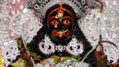 Diwali 2019: माँ काली दुष्टों की विनाशक और भक्तों की उपासक! क्यों होती है उनकी मध्य रात्रि में पूजा! जानें माता का दिव्य स्वरूप, पूजा एवं मंत्रों का विधान