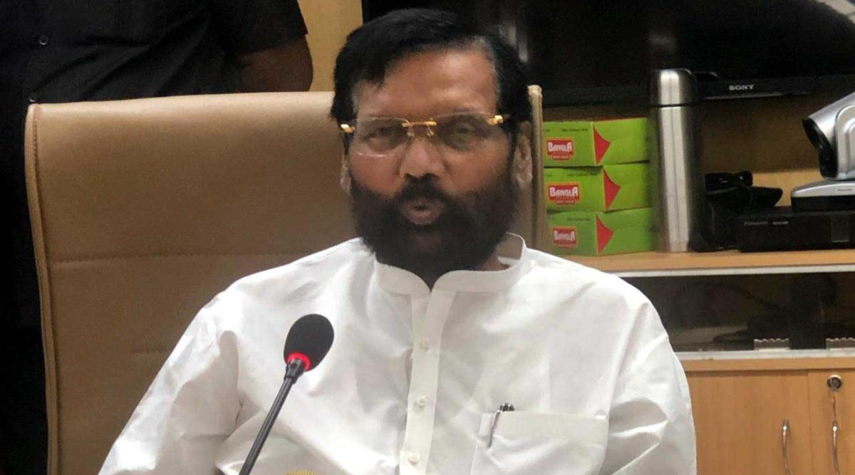 मोदी सरकार की योजना 'वन नेशन, वन राशन कार्ड' से जुड़े 20 राज्य: केंद्रीय मंत्री राम विलास पासवान
