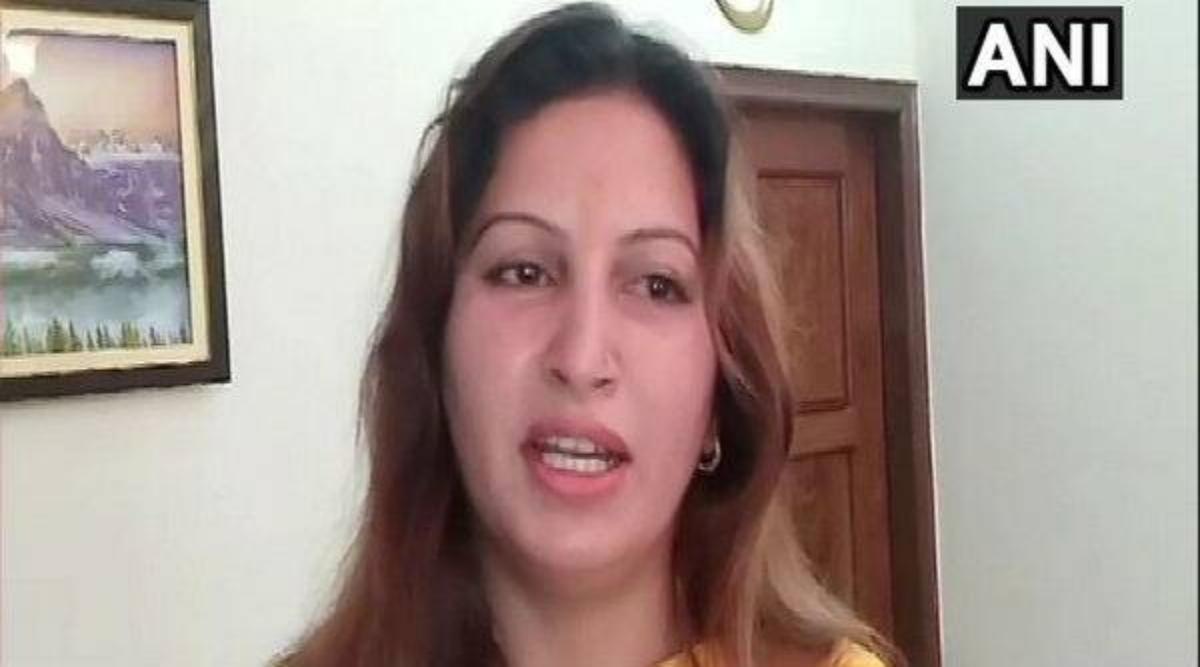 हरियाणा विधानसभा चुनाव 2019: BJP प्रत्याशी सोनाली फोगाट ने रैली में भारत माता के नारे नहीं लगाने वालों से पूछा, क्या वे पाकिस्तानी हैं?