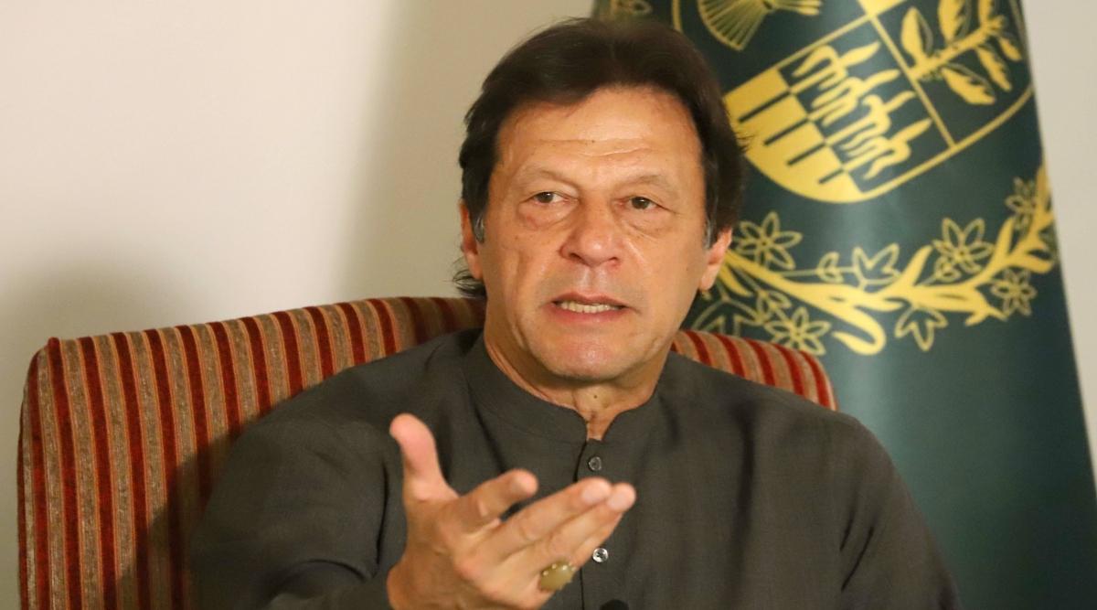 पाकिस्तान के प्रधानमंत्री इमरान खान ने PoK वासियों को नियंत्रण रेखा पार नहीं करने की दी चेतावनी