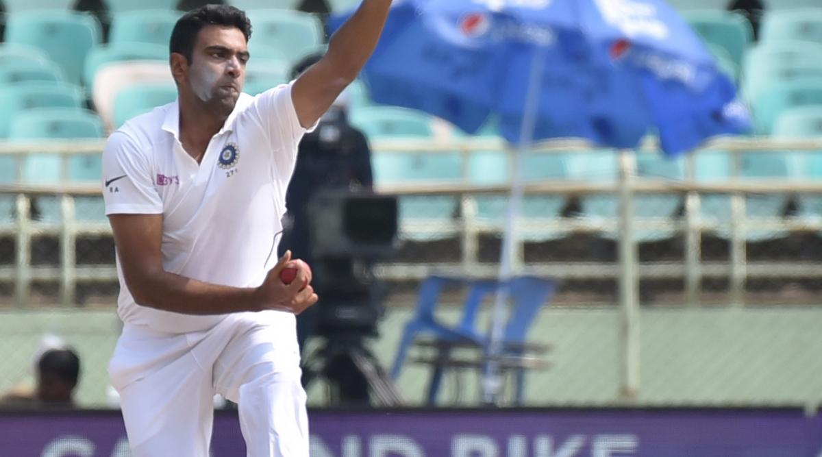 रविचंद्रन अश्विन ने मुरलीधरन के वर्ल्ड रिकॉर्ड की बराबरी करते हुए बनें भारत के सबसे तेज 350 टेस्ट विकेट लेने वाले खिलाड़ी
