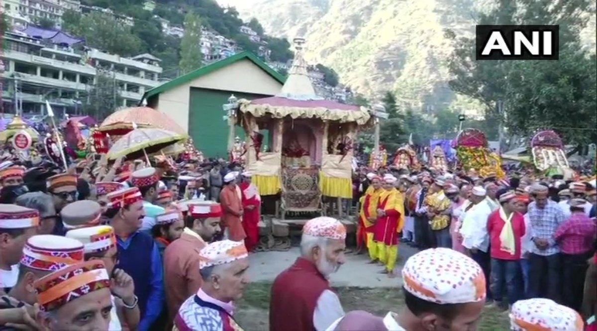 Kullu Dussehra 2019: हिमाचल प्रदेश में कुल्लू दशहरा की हुई शानदार शुरुआत, 14 अक्टूबर को होगा इस उत्सव का समापन, जानिए इसका महत्व
