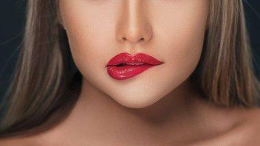 लिपस्टिक लगाने वाली लड़की को किस करना  स्वास्थ्य के लिए  है हानिकारक? जानें क्या है सच