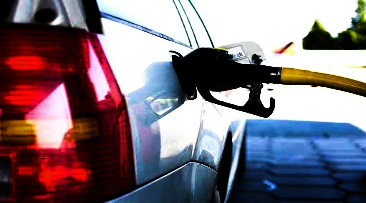 Petrol and Diesel Price 22nd October: पेट्रोल और डीजल की कीमतों में आई गिरावट, जानें क्या हैं आपके प्रमुख शहरों में दाम