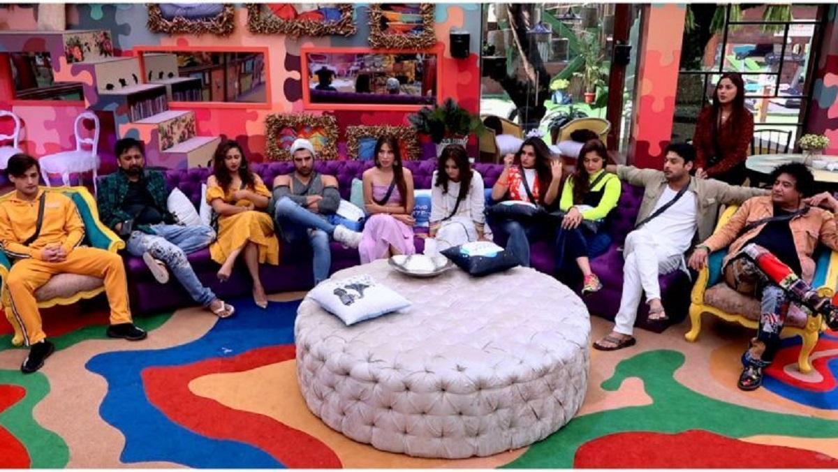Bigg Boss 13 Day 19 Highlights: रश्मि देसाई ने पारस छाबड़ा को दी सलाह, कहा- सिद्धार्थ शुक्ला की निजी बातें नेशनल टीवी पर न बताया करें