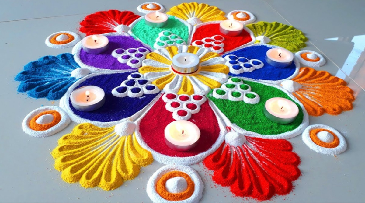 Diwali 2019 Rangoli Designs: दिवाली पर बेहद आसान तरीके से बनाएं सुंदर व आकर्षक रंगोली, इन डिजाइन्स के जरिए बनाएं रोशनी के इस पर्व को खास, देखें वीडियो