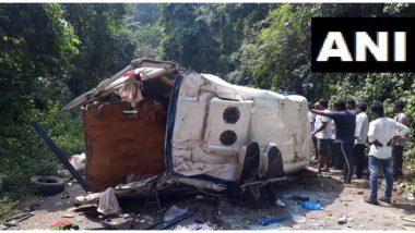 आंध्र प्रदेश में दर्दनाक हादसा, पर्यटकों से भरी बस खाई में गिरने से 8 की मौत, 13 घायल