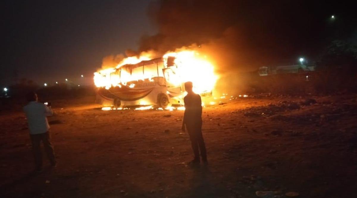 हैदराबाद: बस में लगी आग भयंकर आग, बाल-बाल बचे यात्री