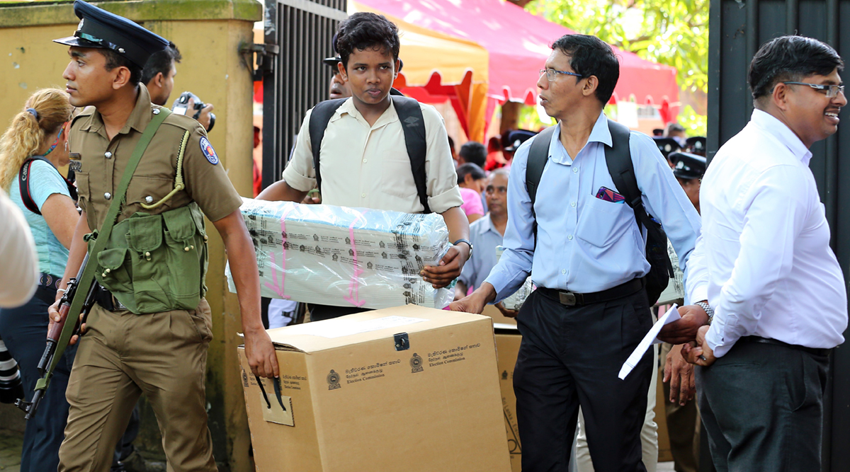 श्रीलंका में आठवें राष्ट्रपति चुनाव के लिए मतदान जारी