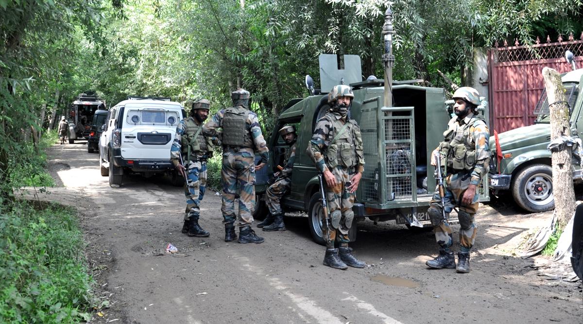 जम्मू-कश्मीर के अखनूर सेक्टर में संदिग्ध धमाका, 1 जवान शहीद और 2 घायल