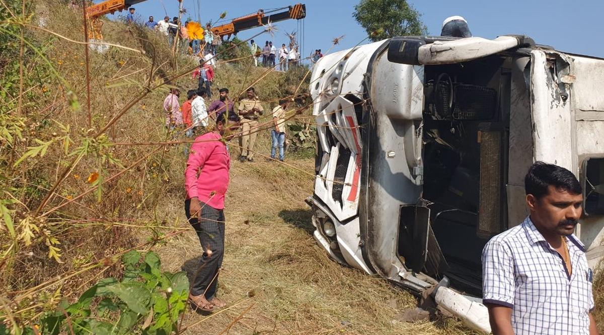 पुणे: शिंदेवाडी इलाके में स्टेट गवर्नमेंट बस पलटने से 2 की मौत और 24 लोग घायल