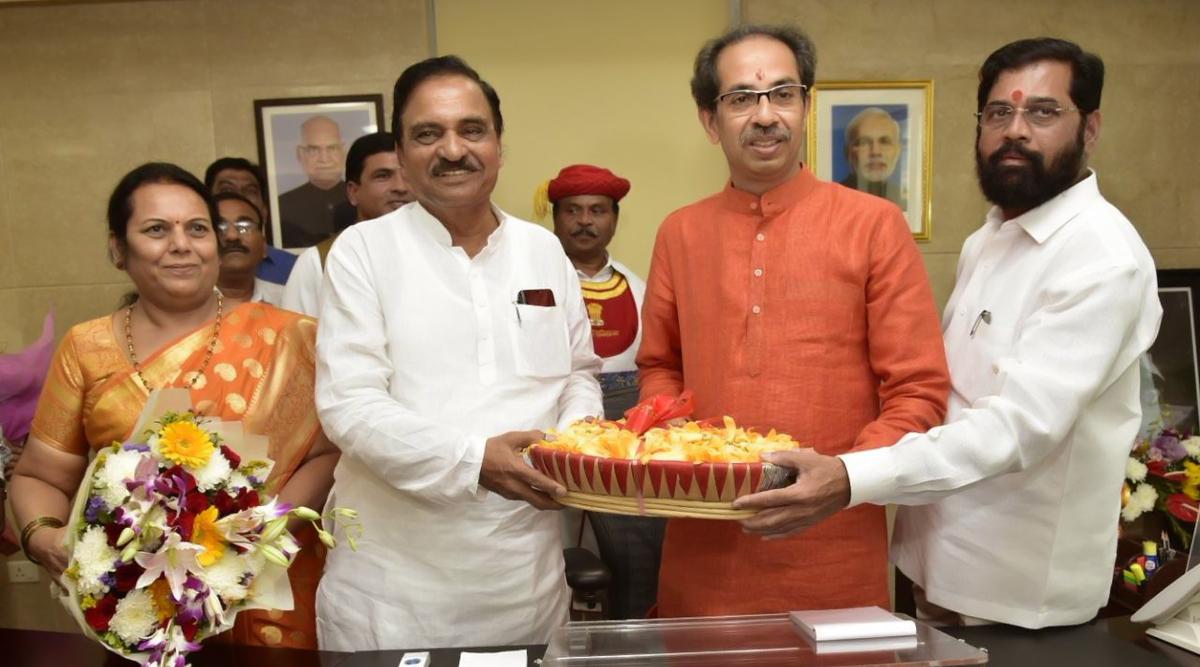 उद्धव ठाकरे ने महाराष्ट्र के मुख्यमंत्री पद का कार्यभार संभाला, शनिवार को साबित करना होगा बहुमत