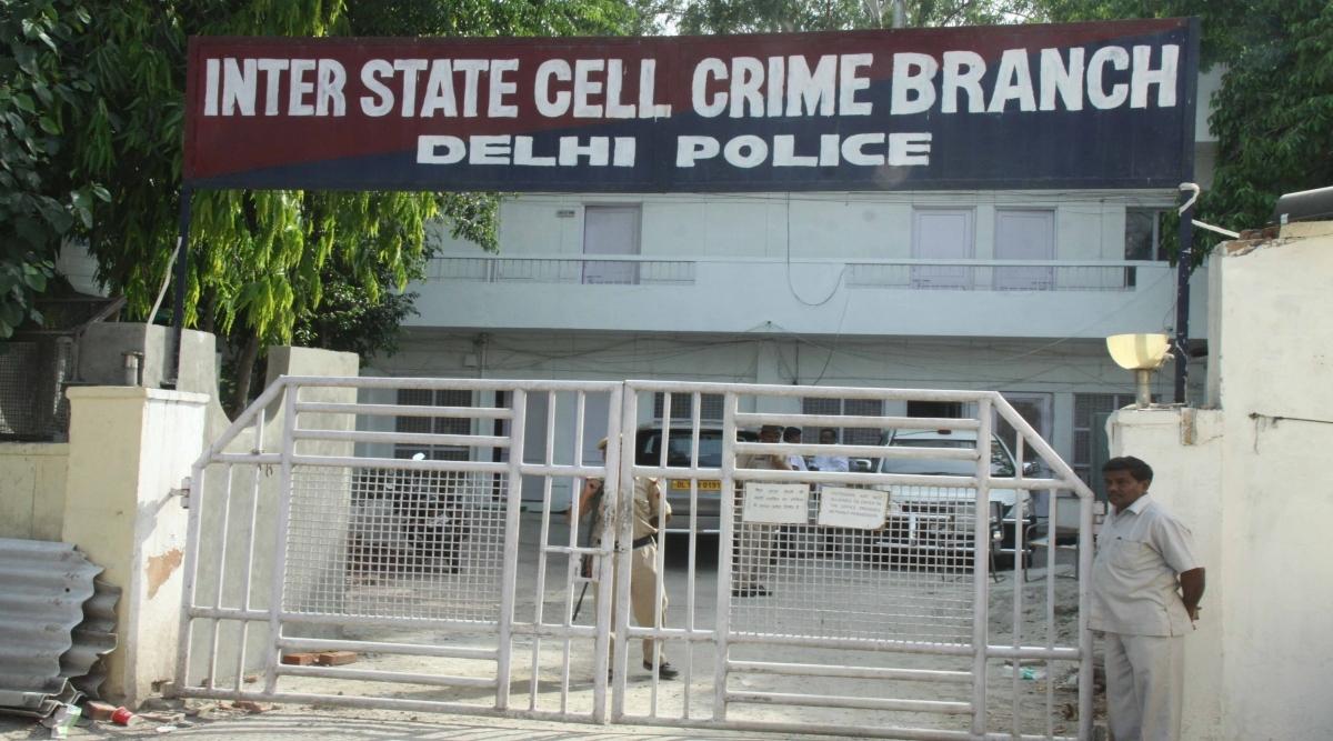 पोस्ट ऑफिस में लाखों रुपये की ठगी के बाद दिल्ली पुलिस की आर्थिक अपराध शाखा ने क्लर्क के खिलाफ गबन का मामला किया दर्ज