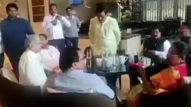 महाराष्ट्र: शिवसेना को अब भी सरकार गठन की आस, कांग्रेस के नेताओं से मुंबई के JW मैरियट होटल में की मुलाकात