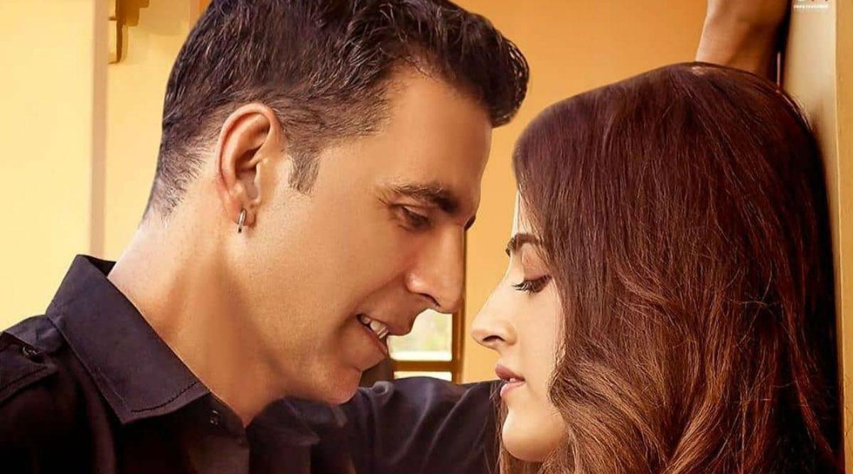 अक्षय कुमार का पहला म्यूजिक Video 'फिलहाल' हुआ रिलीज, नूपुर सेनन के साथ कर रहे हैं रोमांस