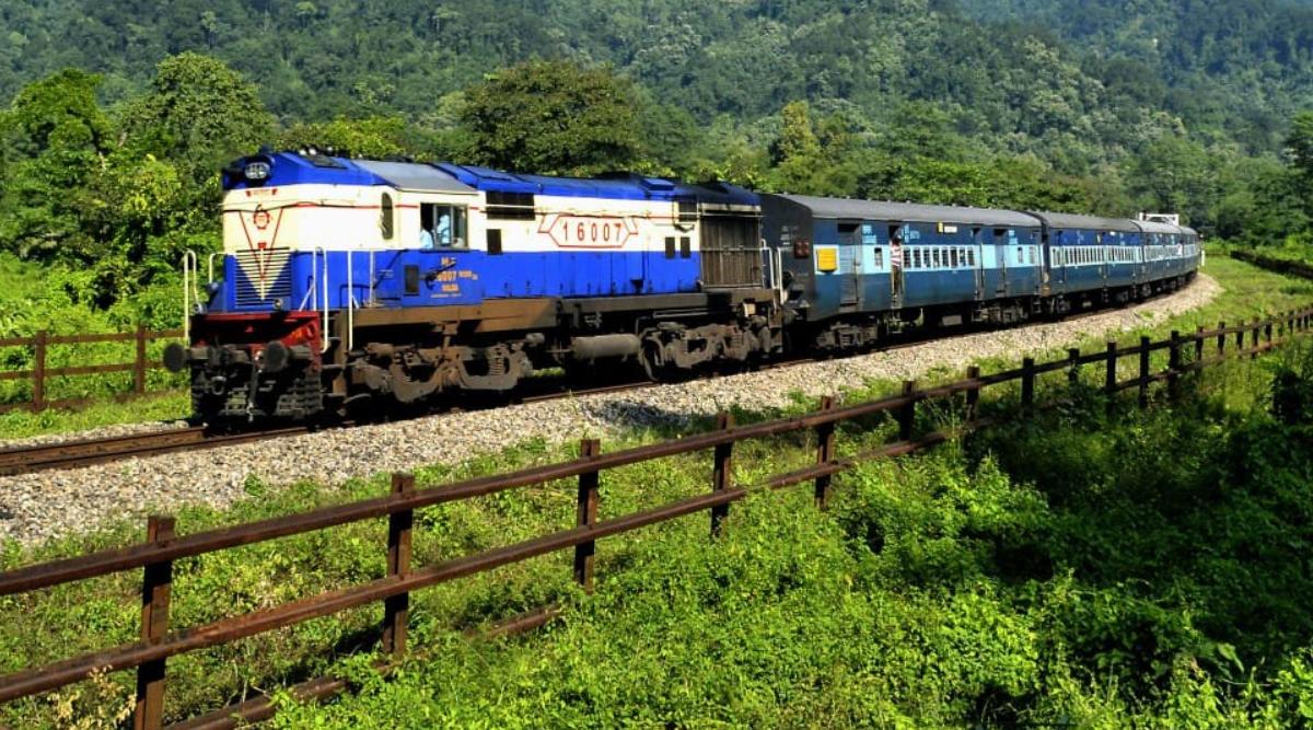 IRCTC: इन विशेष ट्रेनों में शाम 4 बजे से शुरू होगी बुकिंग, रिजर्वेशन कराने से पहले जान ले ये 7 अहम बातें