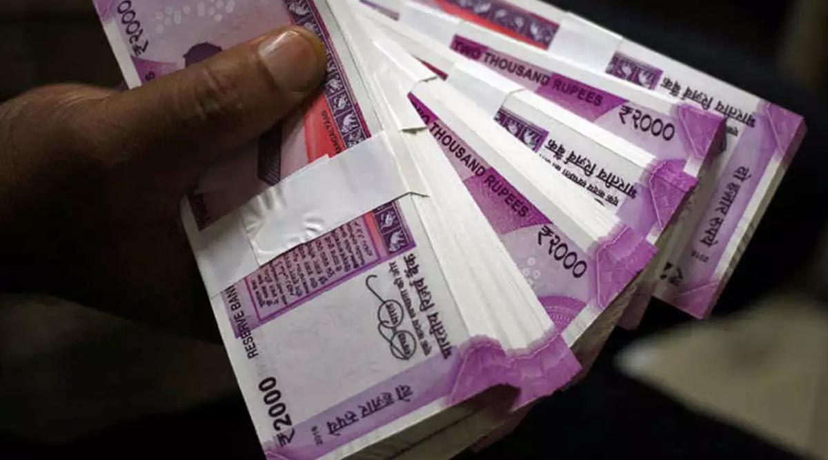 7th Pay Commission: वित्त मंत्री बजट के दौरान केंद्रीय कर्मचारियों को दे सकती है बड़ा गिफ्ट