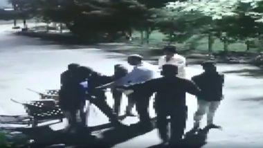 मध्य प्रदेश: 5 लोगों ने बंदूक की नोक पर बिल्डर के घर डकैती की वारदात को दिया अंजाम, देखें इस घटना का हैरान करने वाला वीडियो