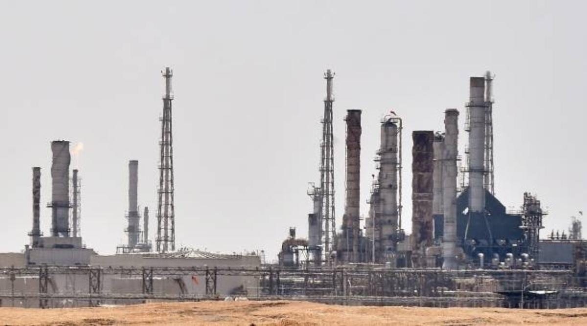 सऊदी अरब: मार्केट रेगुलेटर ने सरकारी तेल कंपनी अरामको के IPO को दी मंजूरी