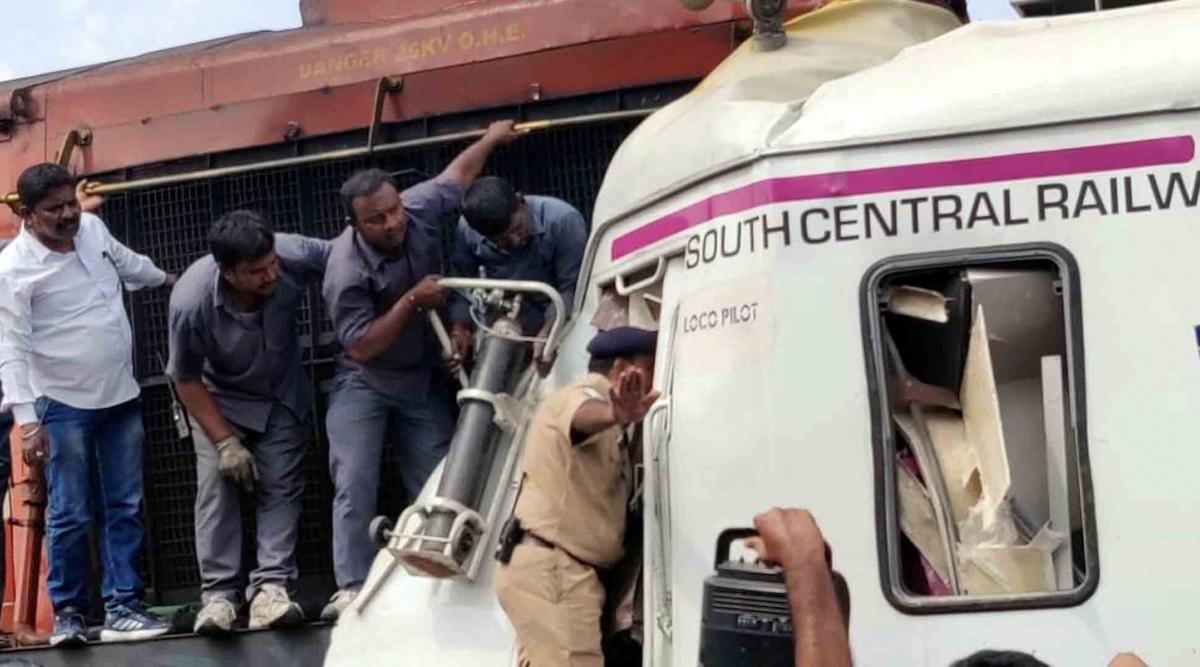 हैदराबाद: दो ट्रेनों की टक्कर में घायल हुए मल्टी-मॉडल ट्रांजिट सिस्टम, लोको पायलट की हुई मौत,