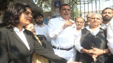 तीस हजारी कोर्ट हिंसा: वकीलों का प्रदर्शन चौथे दिन भी जारी, साकेत कोर्ट बंद