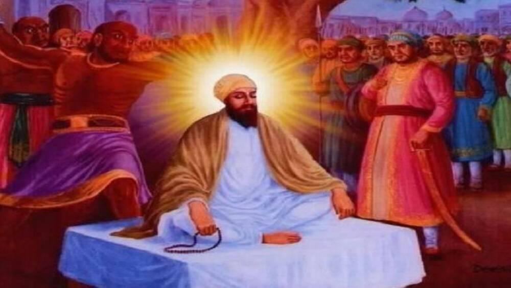 Guru Teg Bahadur Martyrdom Day 2019: गुरु तेग बहादुर शहीदी दिवस आज, सिखों के नौंवे गुरु ने धर्म की रक्षा के लिए कर दिया था खुद को कुर्बान, औरंगजेब के सामने नहीं मानी हार