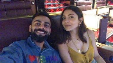 अनुष्का शर्मा के साथ मूवी डेट पर निकले विराट कोहली ने शेयर की ये सेल्फी फोटो, वाइफ को कहा 'Hottie'