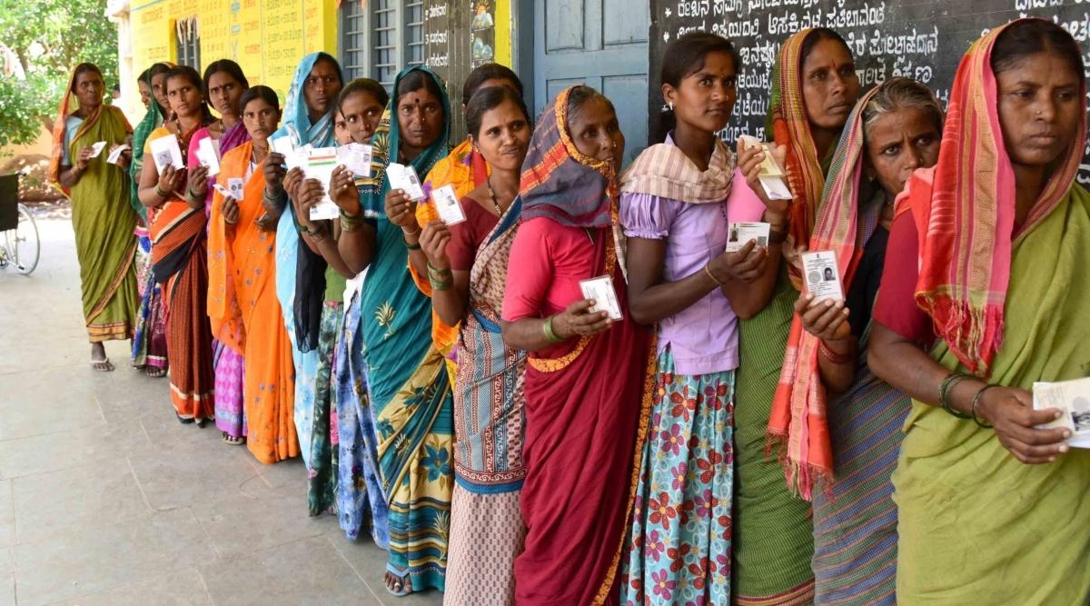 Karnataka By-Elections 2019: कड़ी सुरक्षा के बीच 15 विधानसभा सीटों पर मतदान जारी