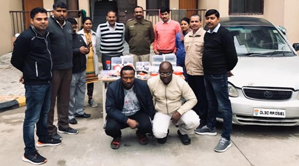 दिल्ली पुलिस ने एटीएम कार्ड क्लोनिंग बनाने के मामले में दो नाइजीरियाई नागरिकों को किया गिरफ्तार