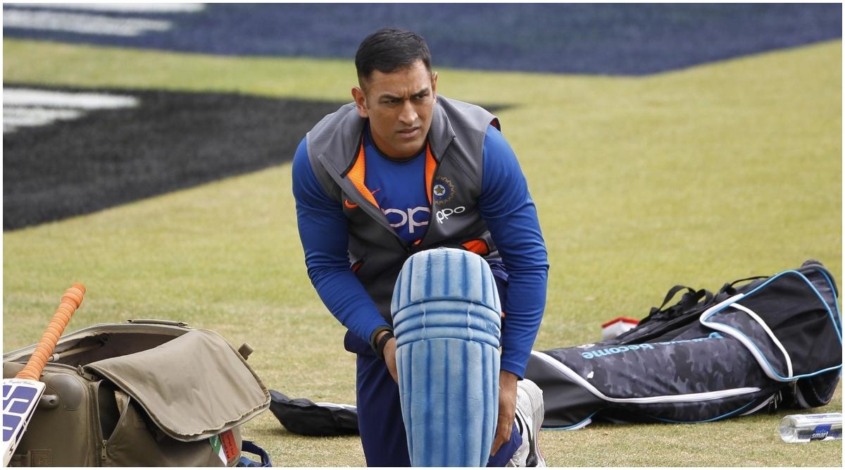 Annual Player Contracts for Team India: क्या धोनी का क्रिकेट करियर हो चुका है समाप्त? ट्विटर यूजर्स ने दिए ऐसे रिएक्शन