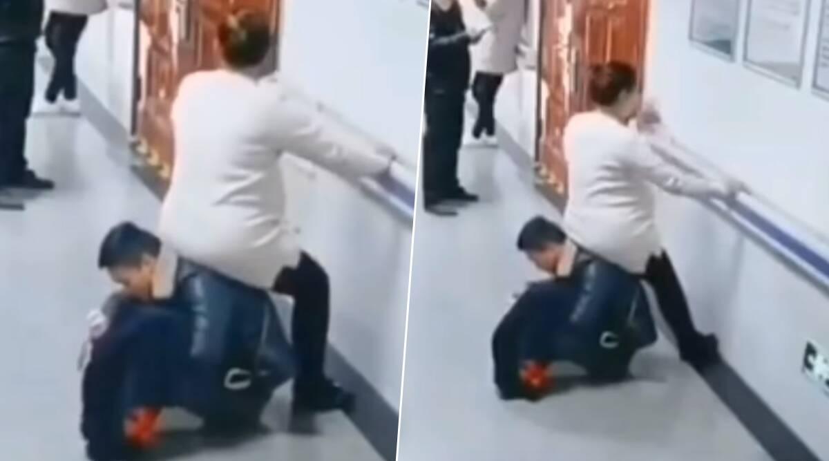 चीन: गर्भवती महिला को अस्पताल में नहीं मिली बैठने की जगह, तो पत्नी के लिए पति खुद ही बन गया चेयर, देखें वायरल वीडियो