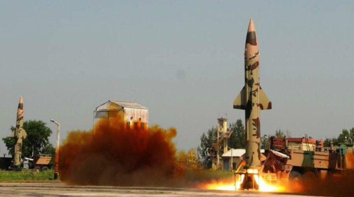 Good News!!! भारत ने पृथ्वी-2 मिसाइल का किया रात्रि परीक्षण, 350 किलोमीटर दूर बैठे दुश्मन को नेस्तनाबूद करने की क्षमता