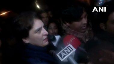 CAA Protest: प्रदर्शनकारियों से मिलने इंडिया गेट पहुंची प्रियंका गांधी, कहा-नागरिकता कानून गरीबों के खिलाफ