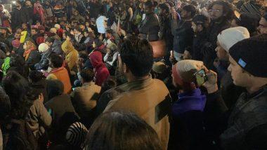 नागरिकता संशोधन कानून: सीलमपुर हिंसा में फेंके गए पेट्रोल-बम, हमलावर गिरफ्तार
