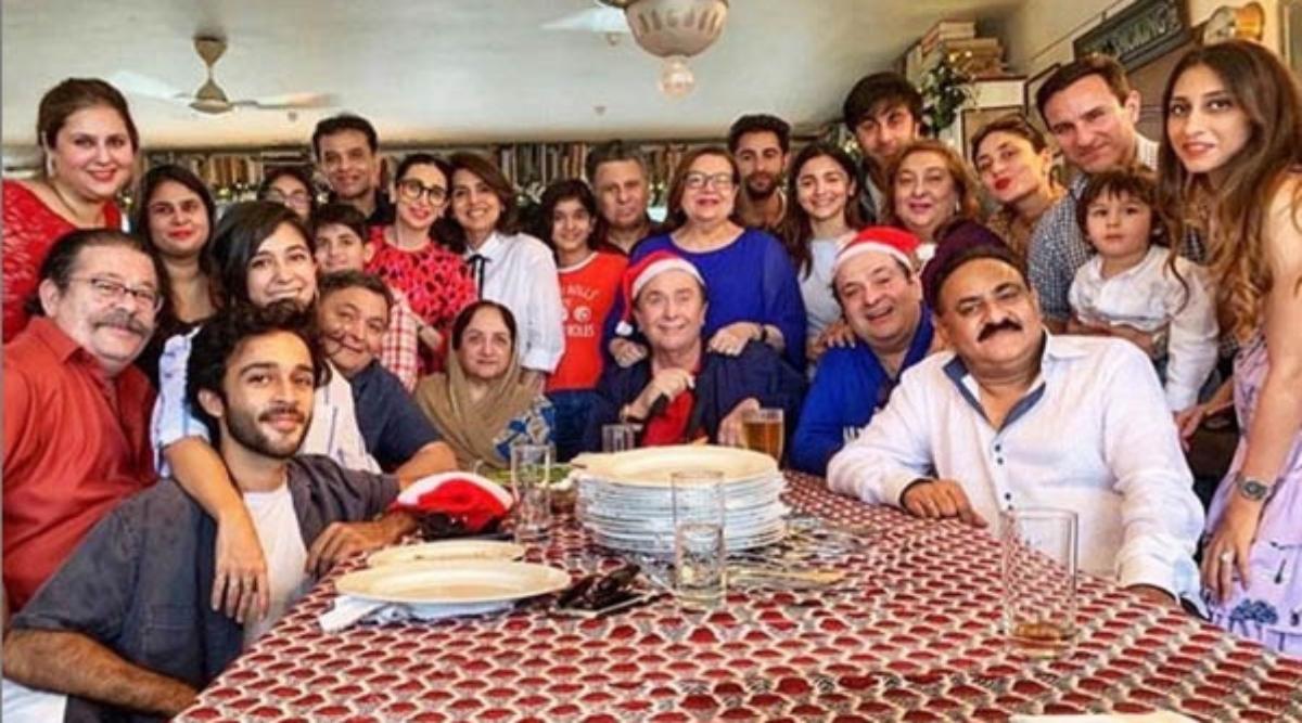 क्रिसमस के मौके एक ही फ्रेम में नजर आईं कपूर खानदान की चार पीढ़ी, करिश्मा कपूर ने सोशल मीडिया पर साझा की तस्वीर