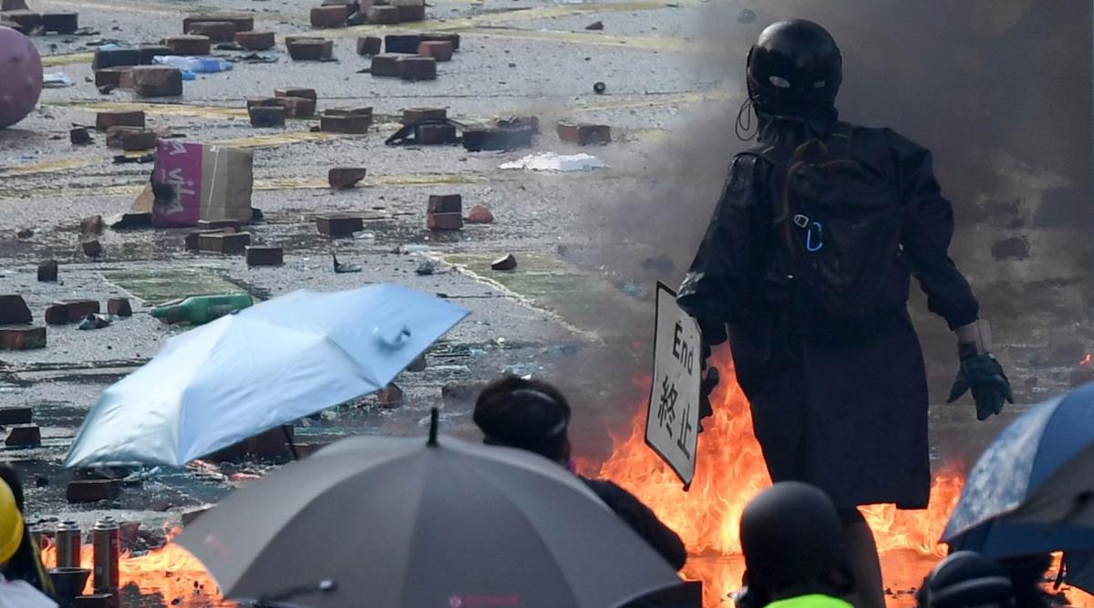 हांगकांग पुलिस ने इस हफ्ते बम हमले की दूसरी साजिश की नाकाम, तीन पुरुष और दो महिलाएं हुई गिरफ्तार