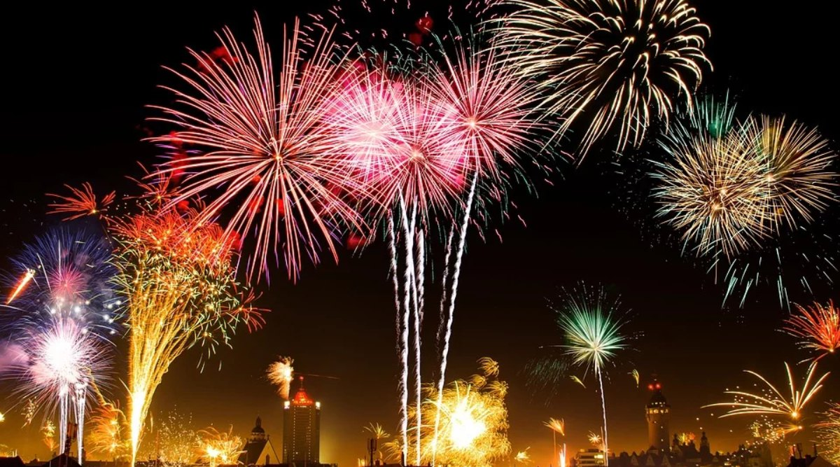 New Year 2020: न्यू ईयर पार्टी में सिर्फ कपल्स को ही दी जाएगी एंट्री, हैदराबाद पुलिस ने जारी किया फरमान