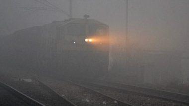 दिल्ली में घने कोहरे के कारण 100 ट्रेनें देरी से, हवा की गुणवत्ता 'गंभीर' श्रेणी में दर्ज