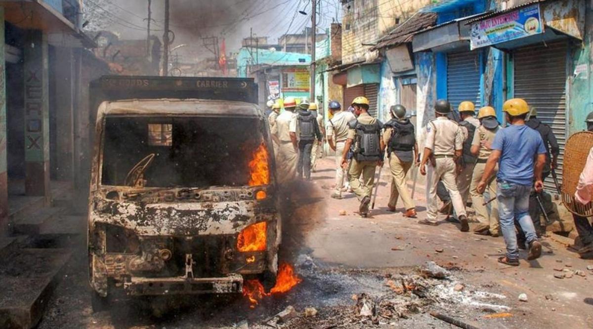 पश्चिम बंगाल में नागरिकता कानून के विरोध प्रदर्शन जारी, कई स्थानों पर सड़कें जाम
