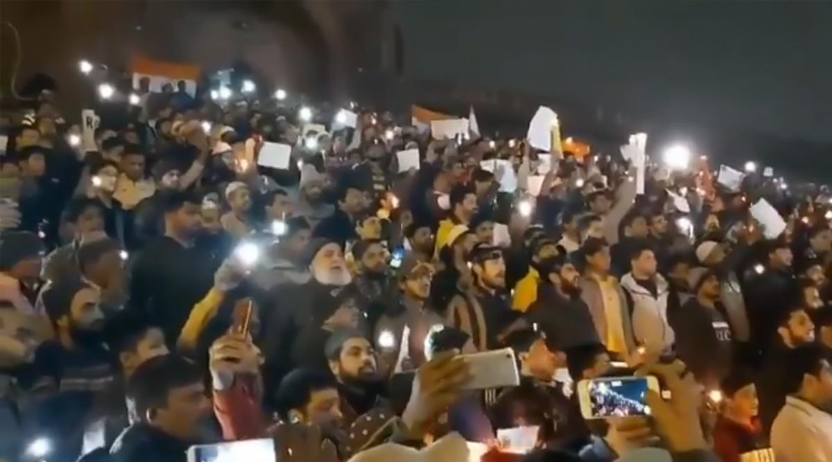 दिल्ली: जामा मस्जिद में हजारों लोगों ने गाया जन गण मन, सोशल मीडिया पर वायरल हुआ वीडियो