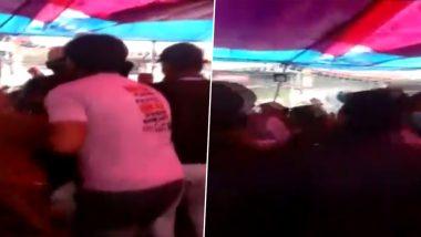 शाहीन बाग के प्रदर्शनकारियों से बात करने पिस्तौल लेकर पहुंचा शख्स, मची अफरा तफरी, देखें वायरल वीडियो
