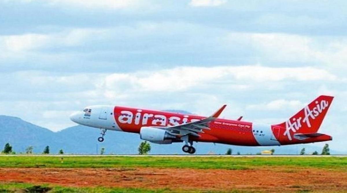 बम से विमान उड़ाने की धमकी के बाद एयर एशिया का विमान कोलकाता हवाई अड्डे पर वापस लौटा