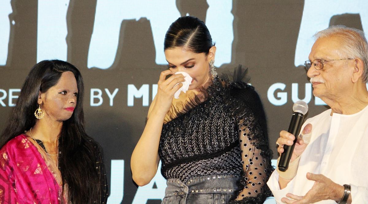 फिल्म छपाक के टाइटल ट्रैक लॉन्च पर रो पड़ी लक्ष्मी अग्रवाल, दीपिका पादुकोण भी हुई इमोशनल