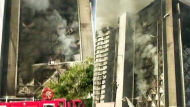 गुजरात: सूरत में 10-मंजिला कपड़ा बाजार में लगी आग, पुलिस जांच में जुटी