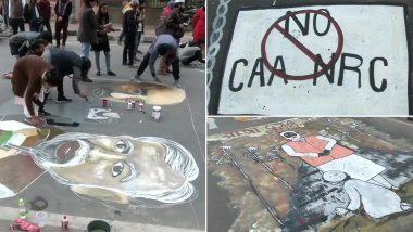 CAA-NRC Protest: जामिया के छात्रों और कई कलाकारों ने मुख्य सड़क पर तस्वीरें बनाकर किया विरोध